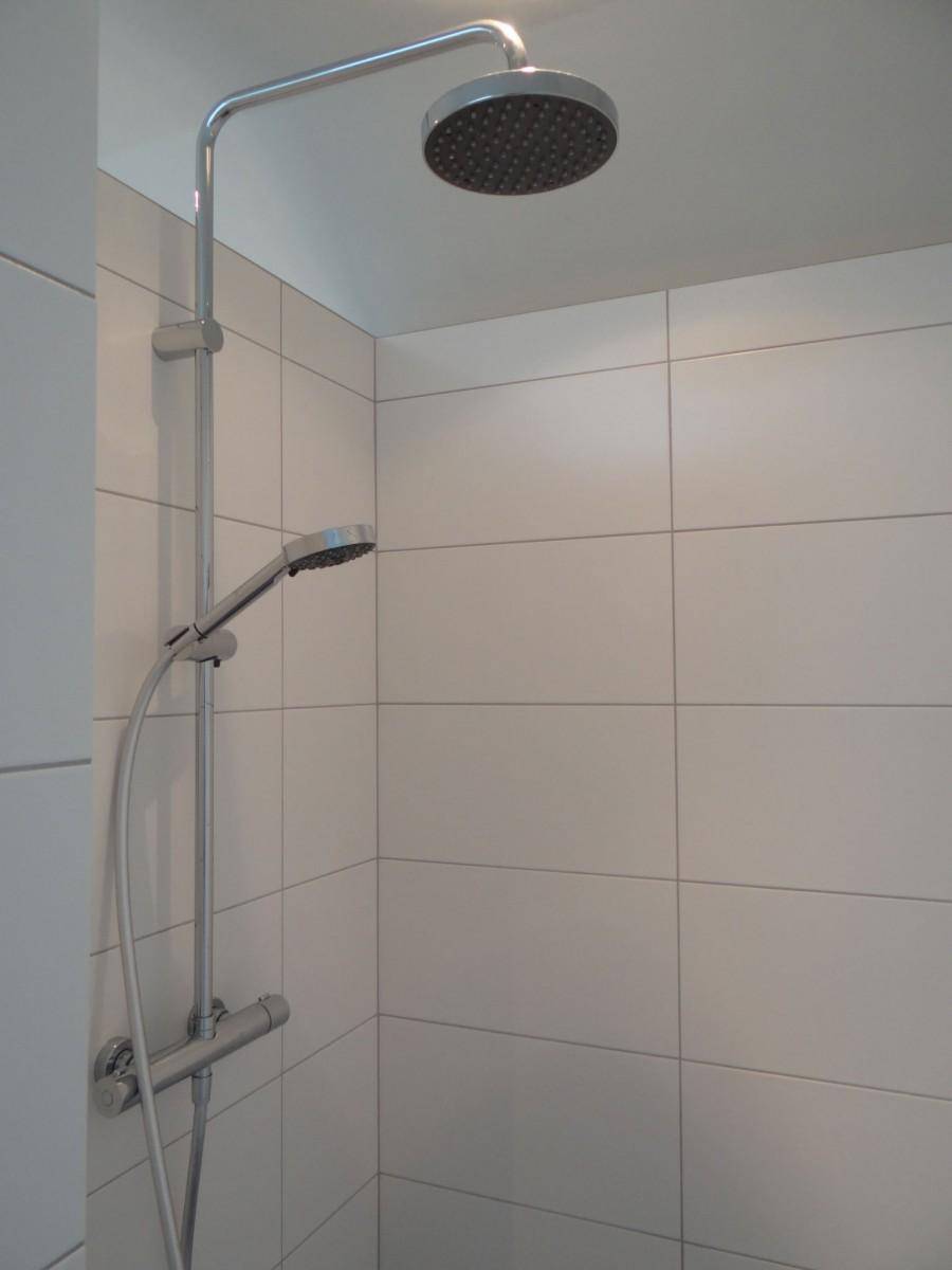 Badkamer gemert badkamer ontwerp idee n voor uw huis samen met meubels die het - Badkamer meubilair ontwerp ...